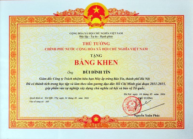 Máy ấp trứng Bảo Tín được TT nguyễn xuân phúc trao tặng bằng khen