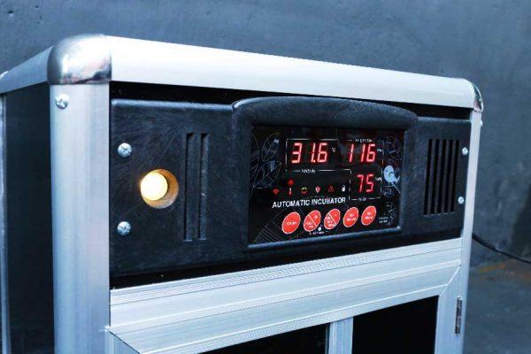 Mặt điều khiển máy ấp trứng Bảo Tín